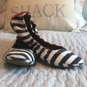 Lucky Brand Flats size 6.5/ fits size 6